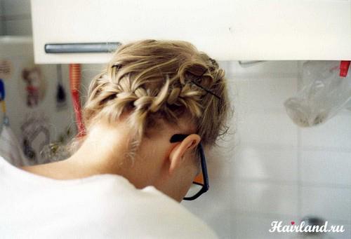 Французские косички вокруг головы на средние волосы