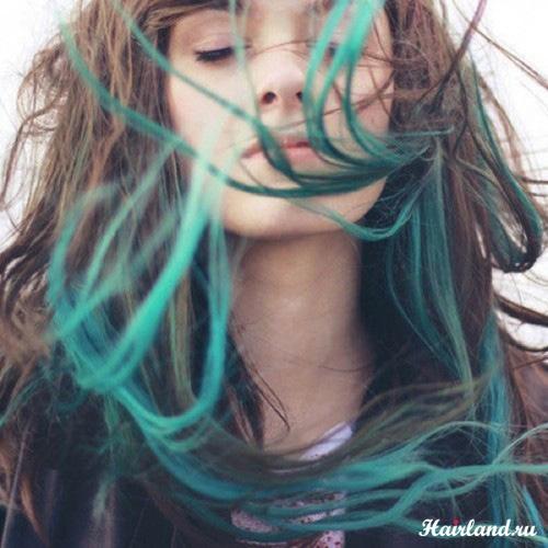 Яркое неоновое колорирование кончиков волос