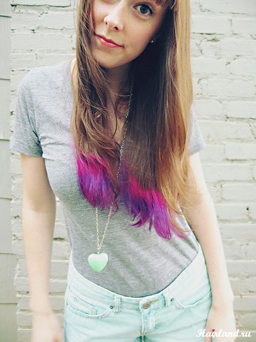 Яркое цветное колорирование кончиков волос в розовый цвет
